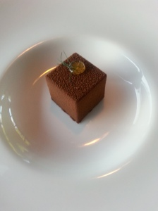 Chocolate Cube ginger, pear, chinese white tea